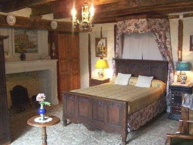 chambre location de vacances RUILLE FROID FONDS